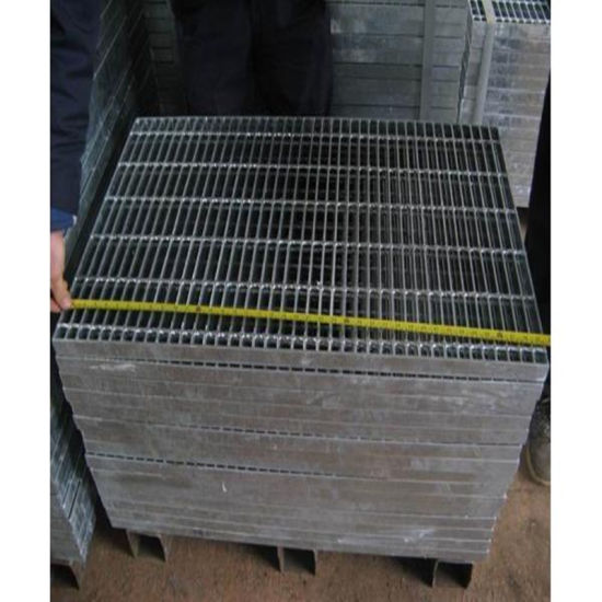 Small Grid Galvanized Steel Rail Fence